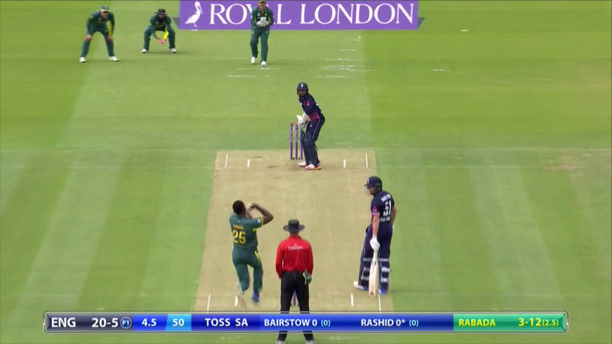 WICKET Rashid out now too.  ENG 20-6 #ENGvSA  Updates: https://t.co/yd...