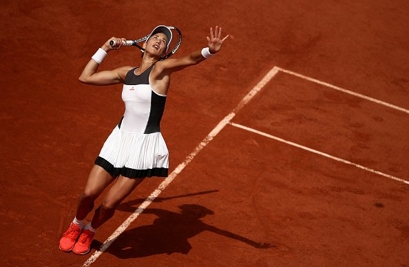 2016 champion Muguruza d. 2010 champion Schiavone 6-2, 6-4 to reach #R...
