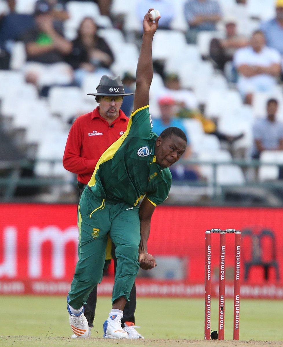 ENG 32/6 after 8 overs. Bairstow 3*, Willey 8. #ENGvSA https://t.co/dJ...