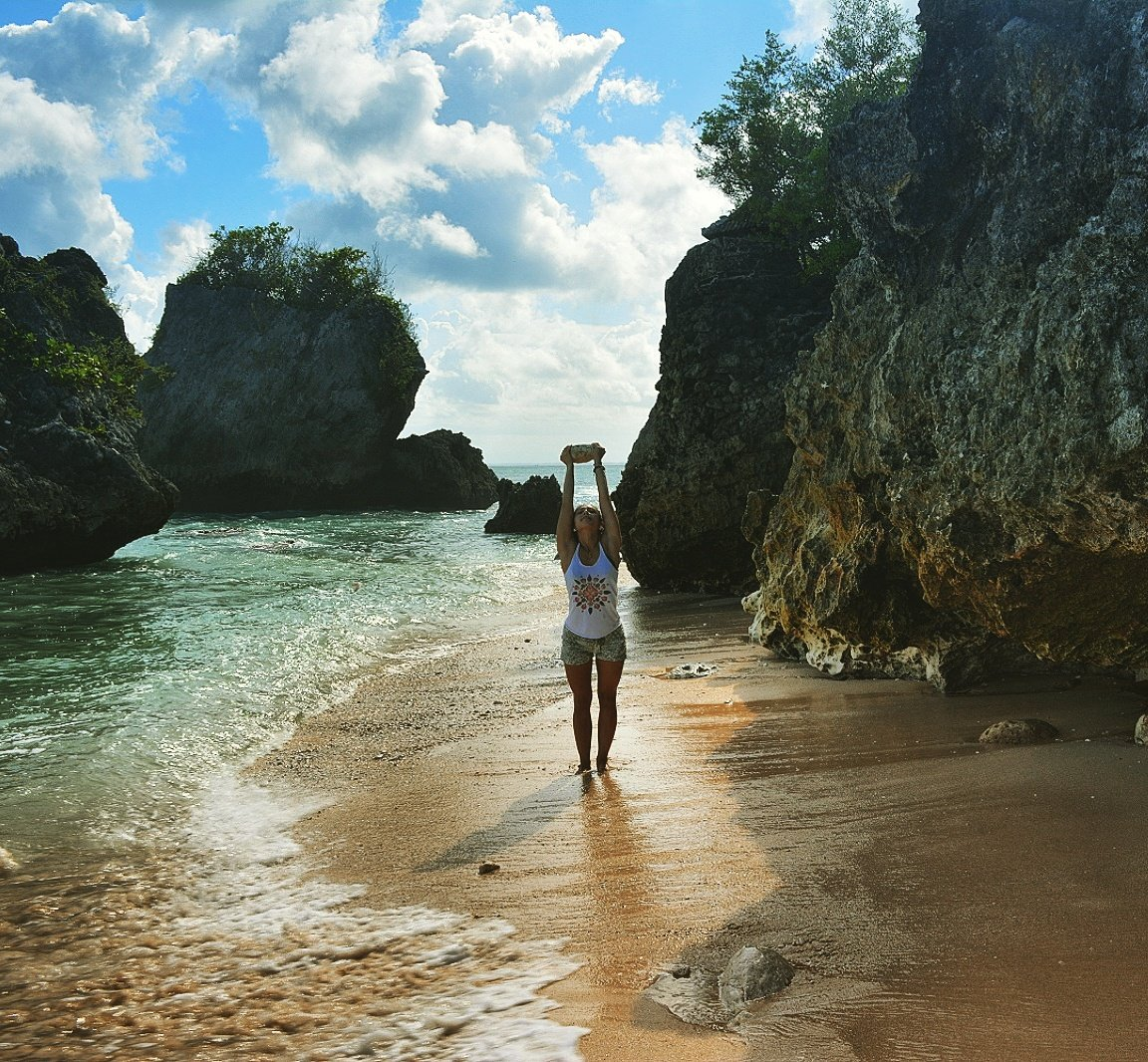 Want to #travel to #Bali but don&#39;t know how to afford it? Read my blog for tips on how to Bali on a budget!    http:// wp.me/p8cQ8I-sD  &nbsp;  <br>http://pic.twitter.com/kKX5Z4Iuzi