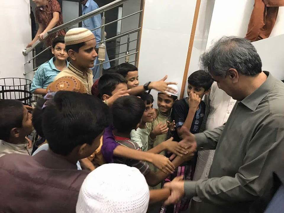 Children Love with Sindh home minister @siyal_anwar in bilal masjid Hyderabad #Love with PPP #PPP  Loves PPL. @BBhuttoZardari  @BakhtawarBZ<br>http://pic.twitter.com/x21Ek76Y8s