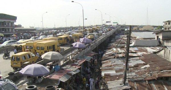 Lagos: un chaos urbain qui fête ses 50 ans https://t.co/ForZqW1EAd