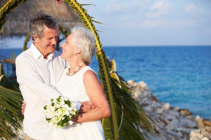 Mariage 'plus vieux', mariage heureux ? Ecoutez @oefpseRTL  ! https://t.co/HcIG6sjv6w