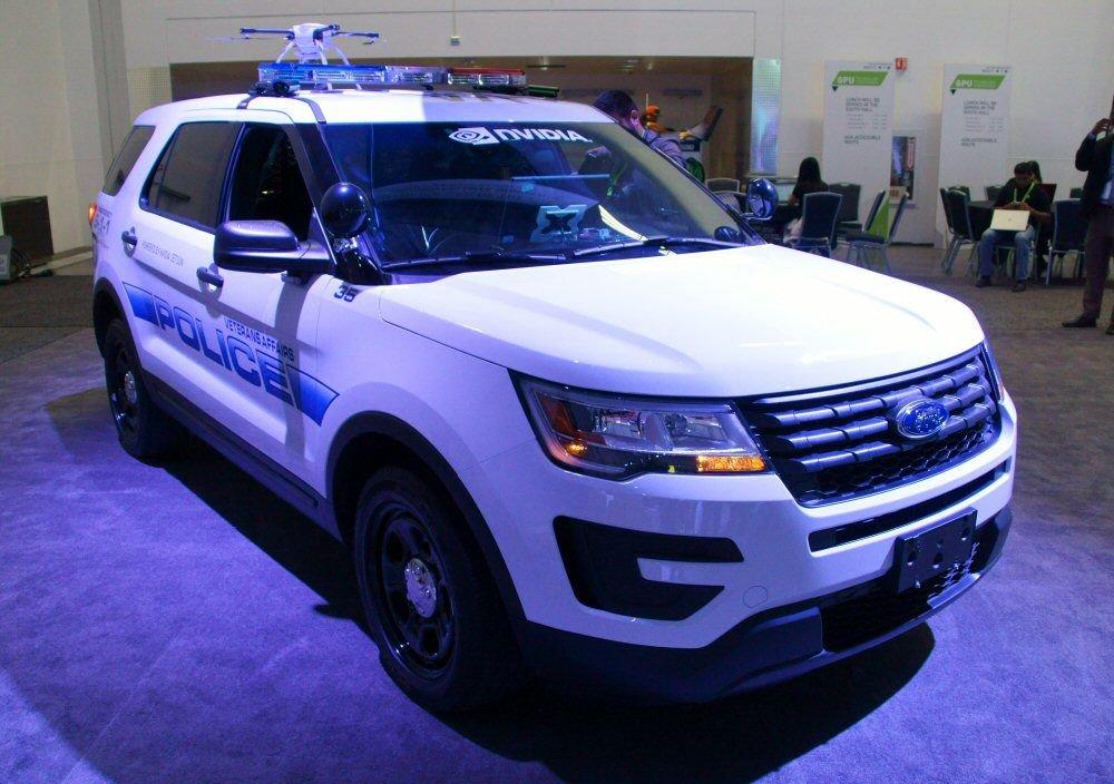 米NVIDIA、AIを搭載した警察車両を展示(2017/05/11の記事です)  https://t.co/elRlYNsWNV https://t.co/RiQFYwJCRJ