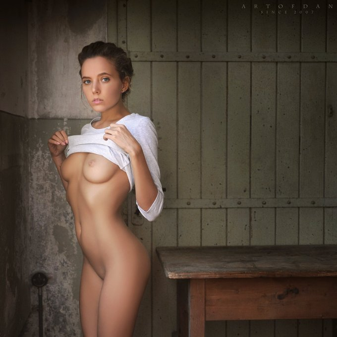 2 pic. Sensual pictures by my friend and a great photographer Dani ❤ #artofdan https://t.co/otva7AGd