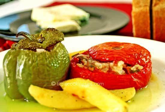 Authentic, rustic, vegetarian gemista recipe: the delicious Greek recipe for stuffed tomatoes and peppers!
