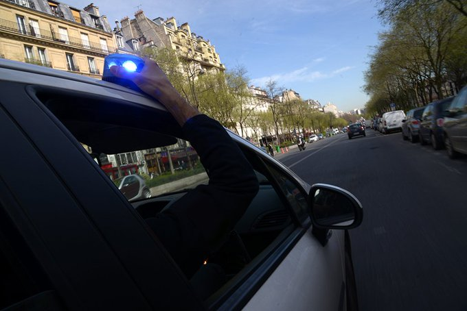 [#policepopulation] Utilisation du gyrophare « deux tons » : la @prefpolice attentive à votre tranquillité 👉 https://t.co/oQV0lFpXB6