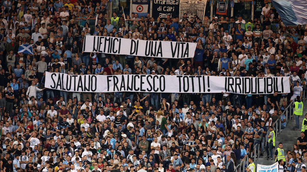 "#Lazio's Ultras call Francesco Totti ""the best of enemies"" - with more than a few digs at #ASRoma.  http://www. football-italia.net/102948/lazio-f ans-%E2%80%98totti-best-enemies%E2%80%99 &nbsp; … <br>http://pic.twitter.com/xnl6C9lOCE"