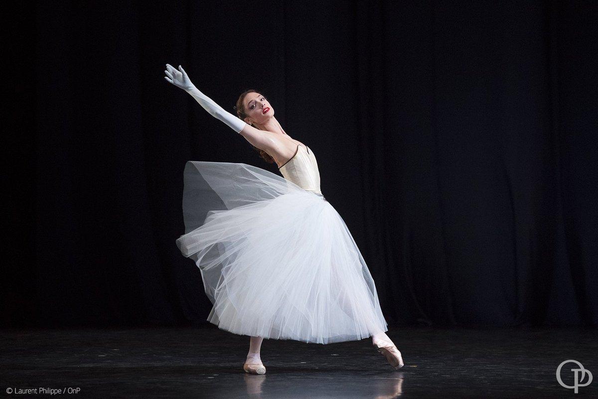 #Balanchine, #Robbins #CherkaouiJalet  3 chorégraphes pour 3 créations historiques en hommage à la musique de Ravel.pic.twitter.com/PwWXIXI3px