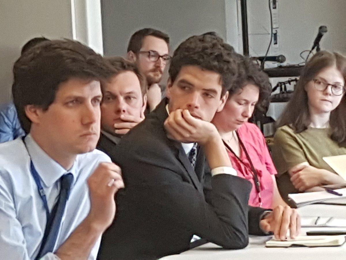 Julien de Normandie avec équipe au  QG @enmarchefr.  Nouvelle génération en préparation des législatives