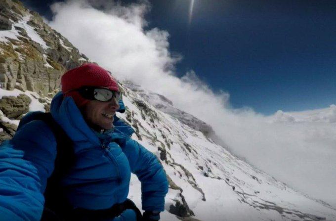 Le Catalan Kilian Jornet monte l'#Everest en 26 heures sans oxygène https://t.co/GqSRxd8B5A