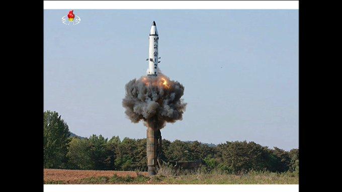 きょう午後、北朝鮮の国営メディアはきのう発射した新型の中距離弾道ミサイルとする映像を公開し、実験の成功を伝えました。その映像をつぶさに見てみると、北朝鮮の思惑が浮き彫りに。今年に入って実に8回目。 ミサイル発射を繰り返す理由とは。今夜のZEROで詳しく!