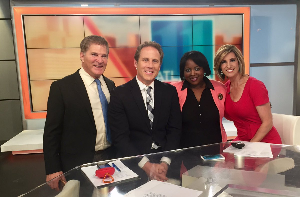 The best legal dream team around. Analyzing facts of #Cosby case. @VinniePolitan @LatoniaPHines #11Alive #AtlantaAlive <br>http://pic.twitter.com/PPHR1D2U09