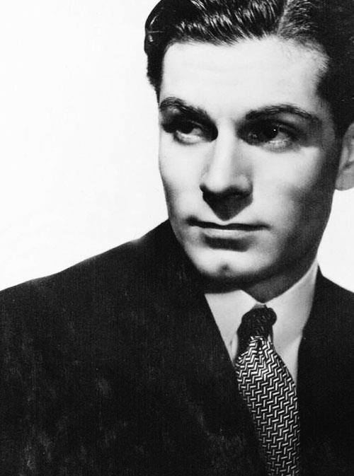 Happy Birthday #LaurenceOlivier  https:// eartfilm.com/search?q=laure nce+olivier &nbsp; …  #Olivier #actors #acting #theater #theatre #England #Broadway #WestEnd #Sleuth #film<br>http://pic.twitter.com/ePBnenepBH