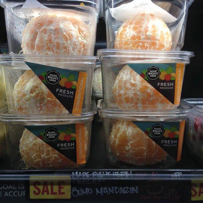 La Nature a inventé quelque chose de formidable pour protéger les oranges : la peau. L'Homme lui a inventé le plastique.