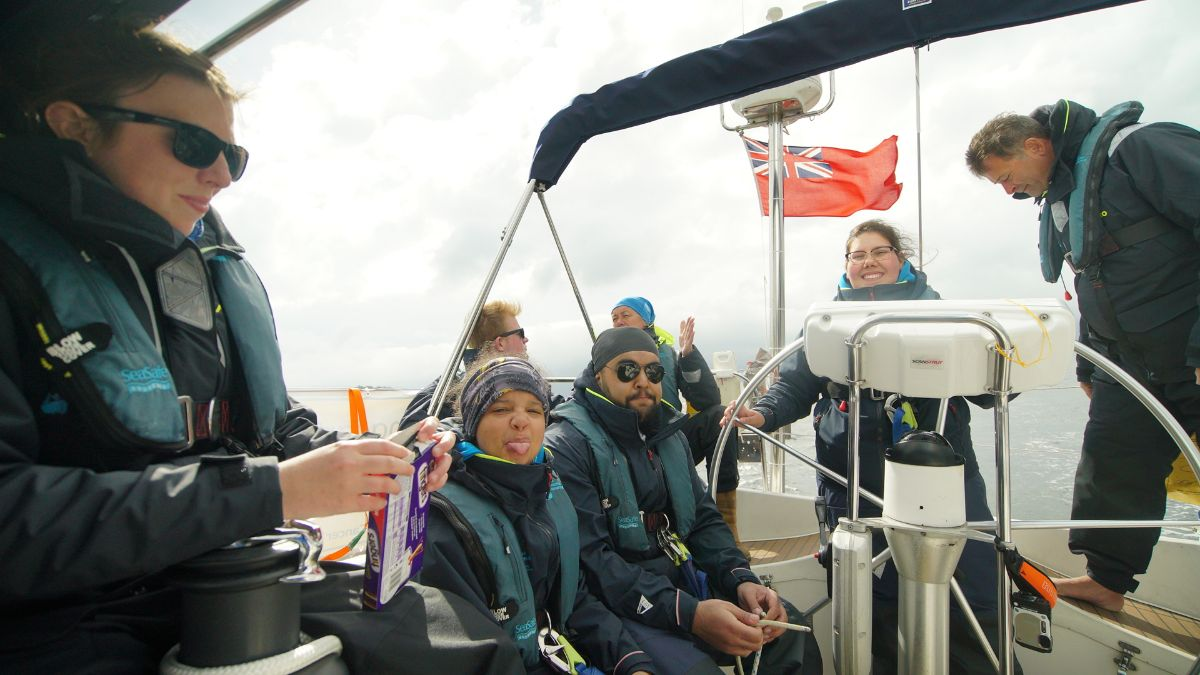All smiles on board Moonspray for the #RoundBritain2017 crew as they sail up Loch Long today, Follow their progress https://t.co/Yxvoakx1tu
