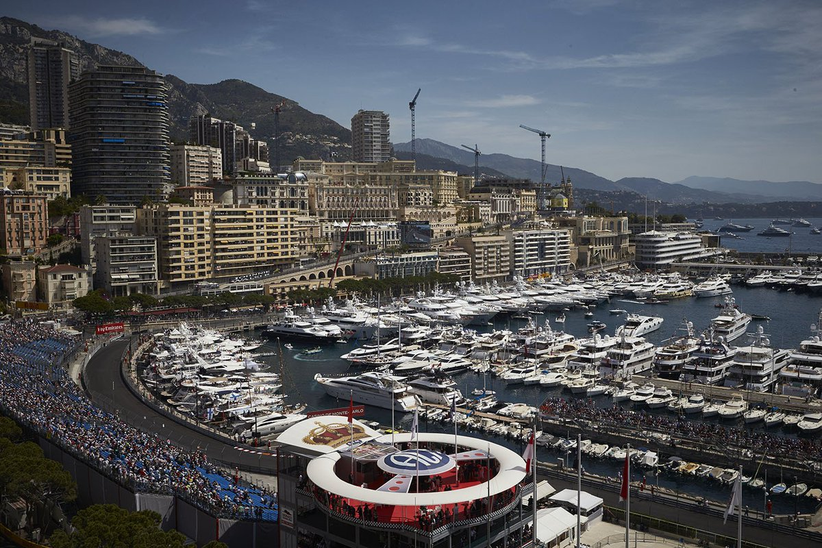 #DidYouKnow: At 3.337km, the #Monaco circuit is the shortest in #F1 2017. In fact, you could fit two Monaco track lengths in one @circuitspa<br>http://pic.twitter.com/tpluwURQxy
