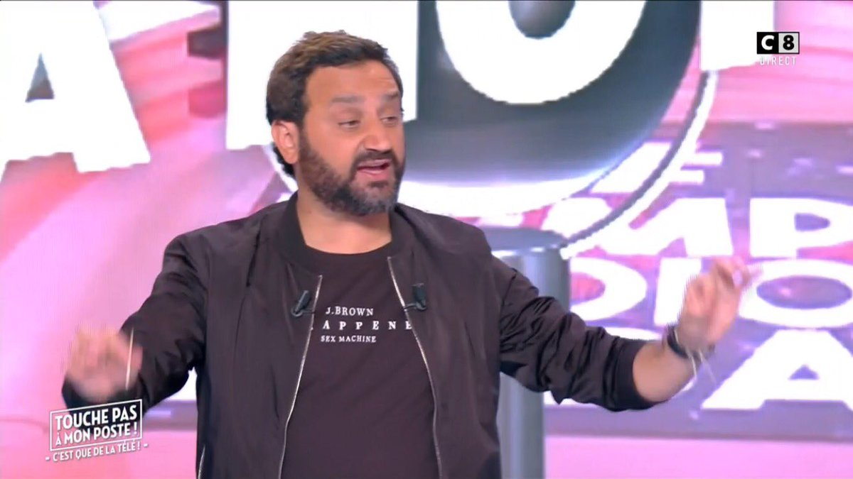 @Cyrilhanouna On t&#39;aime  #TPMP <br>http://pic.twitter.com/FDP6zVf9AP