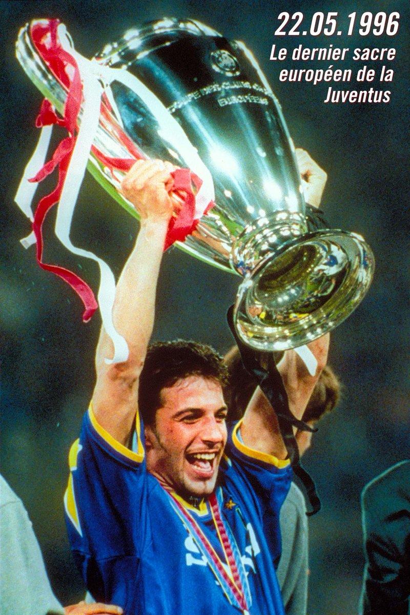 Il y a 21 ans jour pour jour, la #Juventus remportait sa deuxième (et dernière en date) Ligue des champions. pic.twitter.com/WBPBXvtKjJ