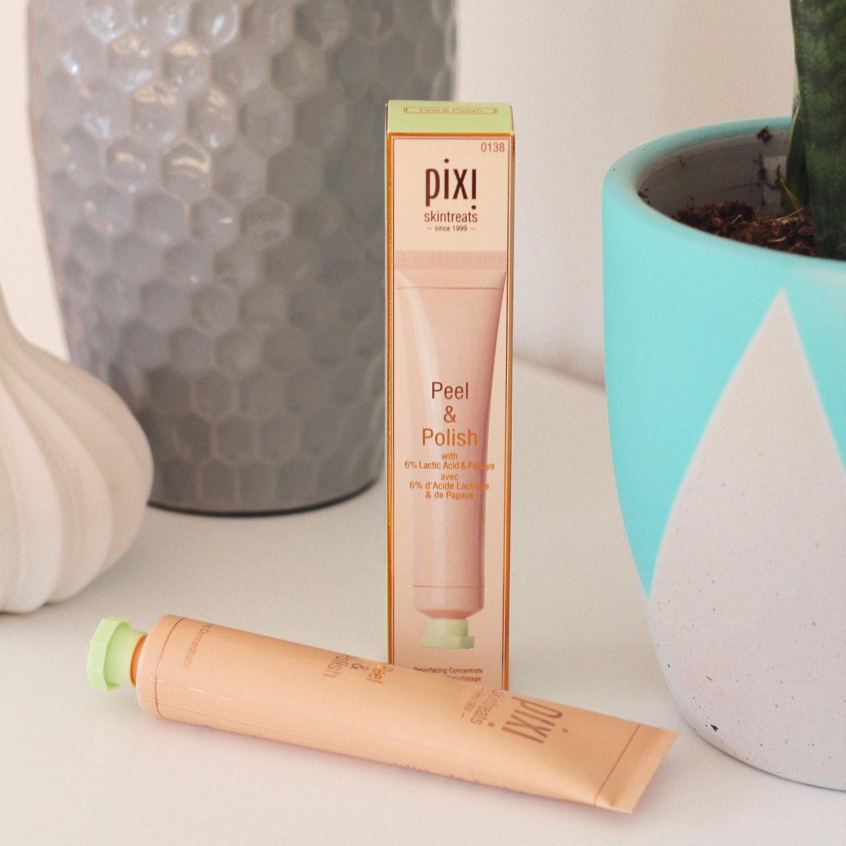 Flash twitter comp: RT & follow to win this pixi peel & polish