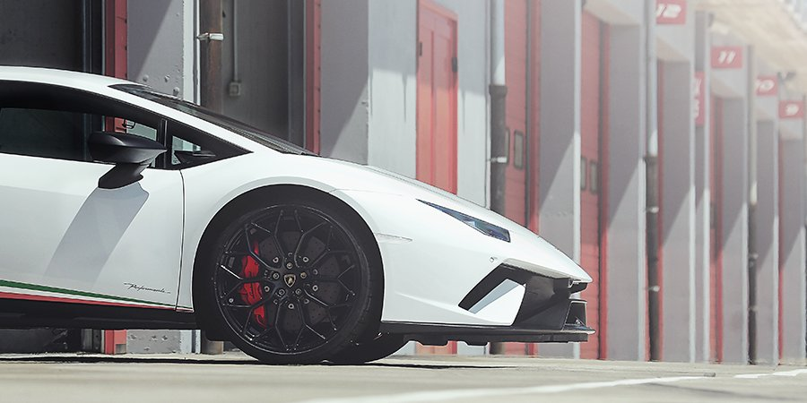 Redefine the concept of a supersports car: #HuracanPerformante. #Lamborghini