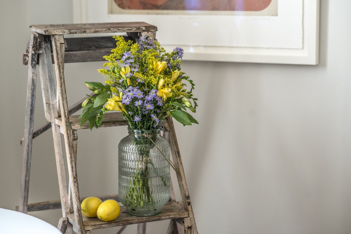 *COMPETITION TIME* RT and FOLLOW us to #WIN this beautiful bunch of blooms@BloomandWild and a case of #juice! #competition #letterboxflowers<br>http://pic.twitter.com/U0PalecsNx