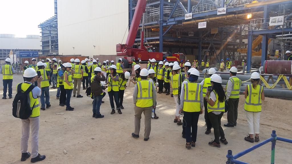 When the world&#39;s media visits one of the world&#39;s biggest #power plant constr. sites #EgyptMegaproject #Egypt @Siemens_Energy<br>http://pic.twitter.com/deE0kUJbO4