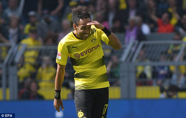 Aubameyang To Decide on Future With #Dortmund Next Week (via @jsampson_23)   http:// bit.ly/2r9ASNk  &nbsp;  <br>http://pic.twitter.com/bgdtpK9eBW