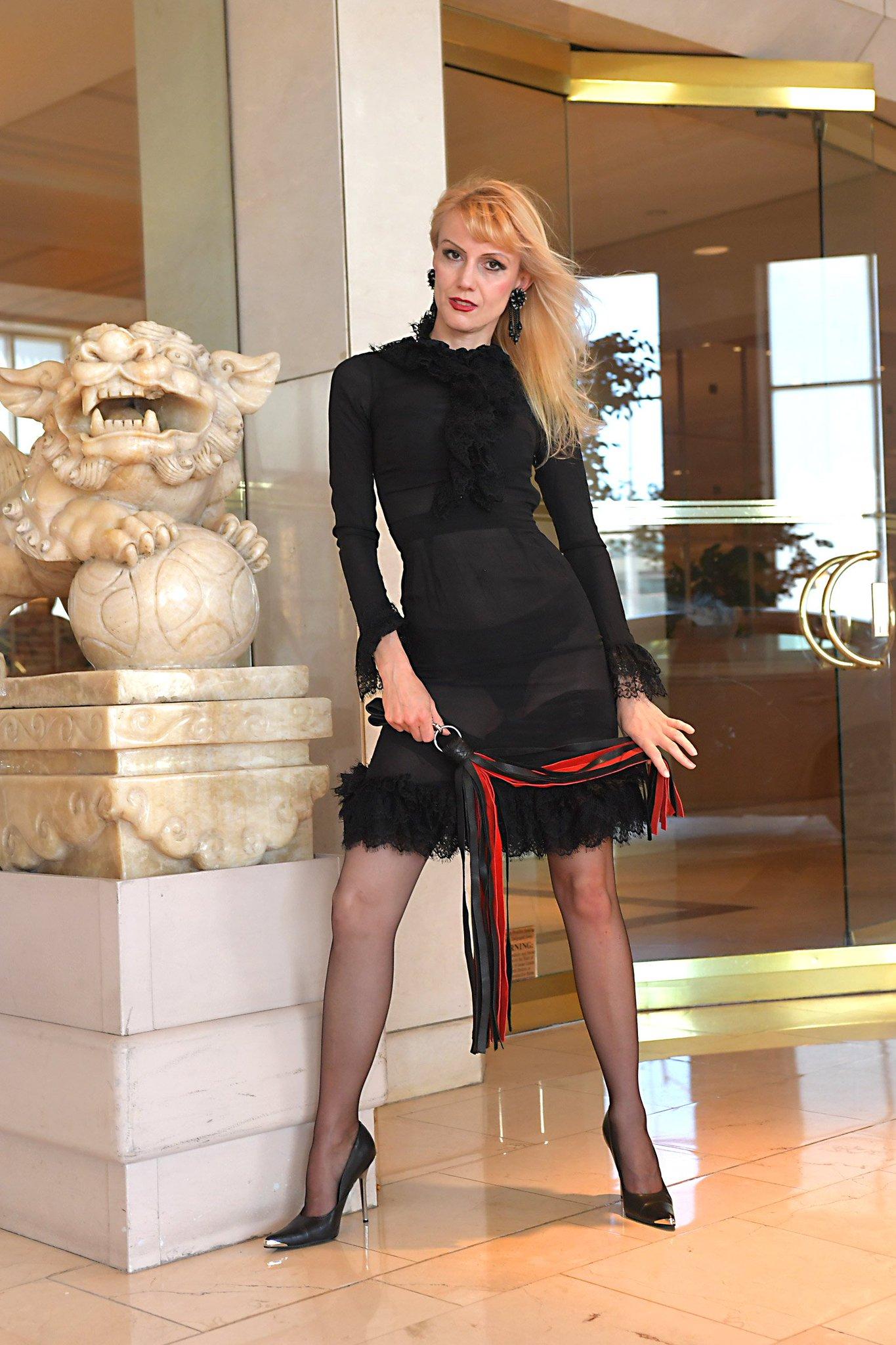 Karin von Kroft 💋 على تويتر: Karin von Kroft Dress to