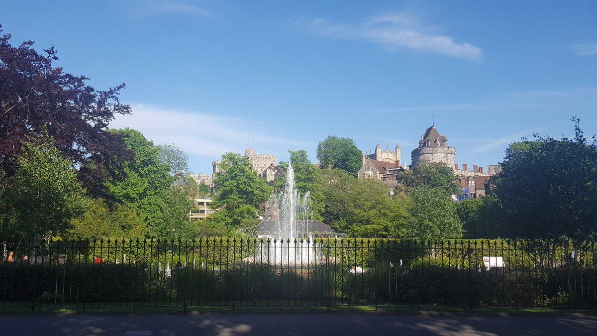 Have a good evening everyone! #Windsor #mondaymotivation<br>http://pic.twitter.com/abrJiySV5n