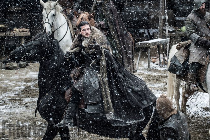We've got your exclusive look at new photos of Jon, Arya, Daenerys and more from #GoTs7! https://t.co/ei7QEt4ZDy #GameofThrones