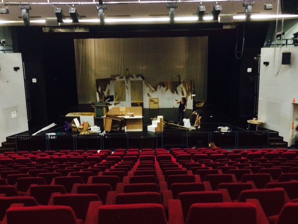 Get in for the set of collision! Dress tomorrow,only two days till opening night  #collision #ManicMonday<br>http://pic.twitter.com/vVtnpXotOY