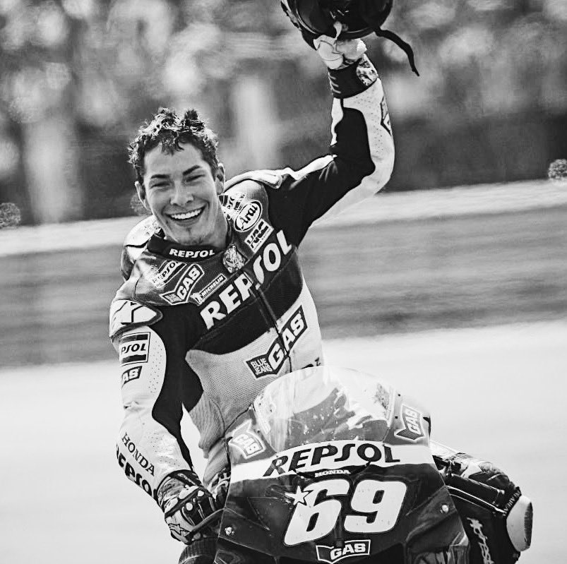 My thoughts are with your family and loved ones 🙏🏻 R.I.P @NickyHayden
