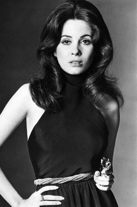 Happy 75th birthday to gorgeous Barbara Parkins, Anne Welles from Valley of the Dolls, 1967.