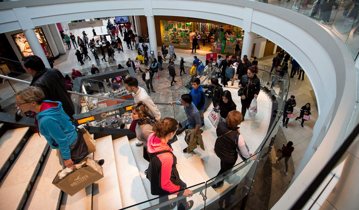 Executives in Las Vegas are trying to convince the world that the American mall isn't dead https://t.co/v4aIcYoMW3