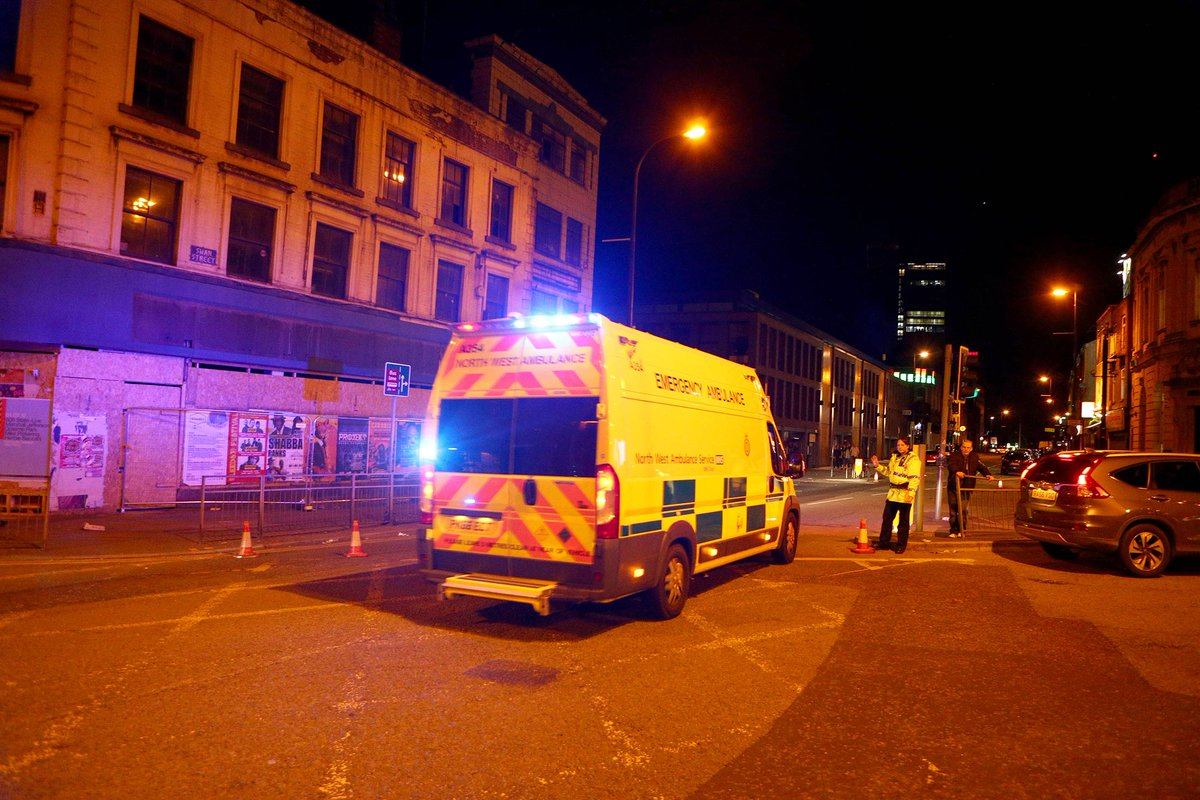 Police confirm fatalities after reports of an explosion at an Ariana Grande concert in Manchester https://t.co/2JqOIXmNXZ