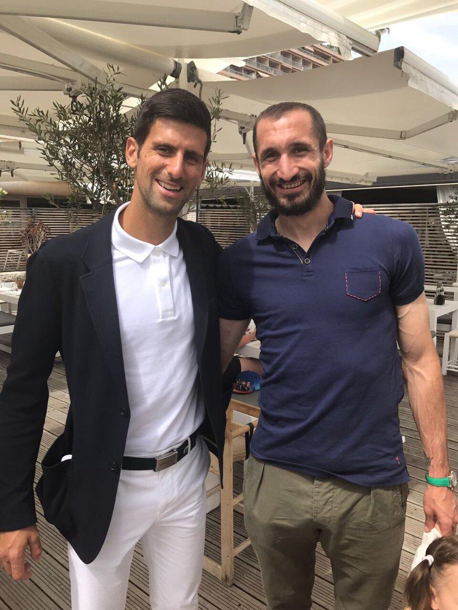 ¿Cuánto mide Novak Djokovic? - Altura - Real height DAdA3w8XsAEOgrj