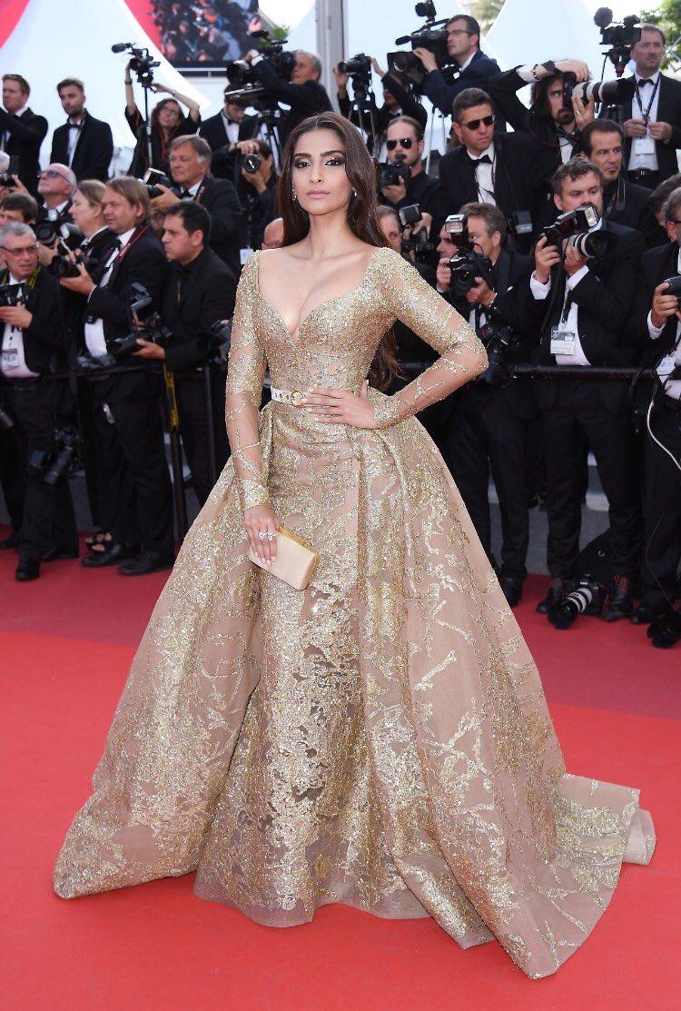 Sonam Kapoor looks Stunning #Cannes2017