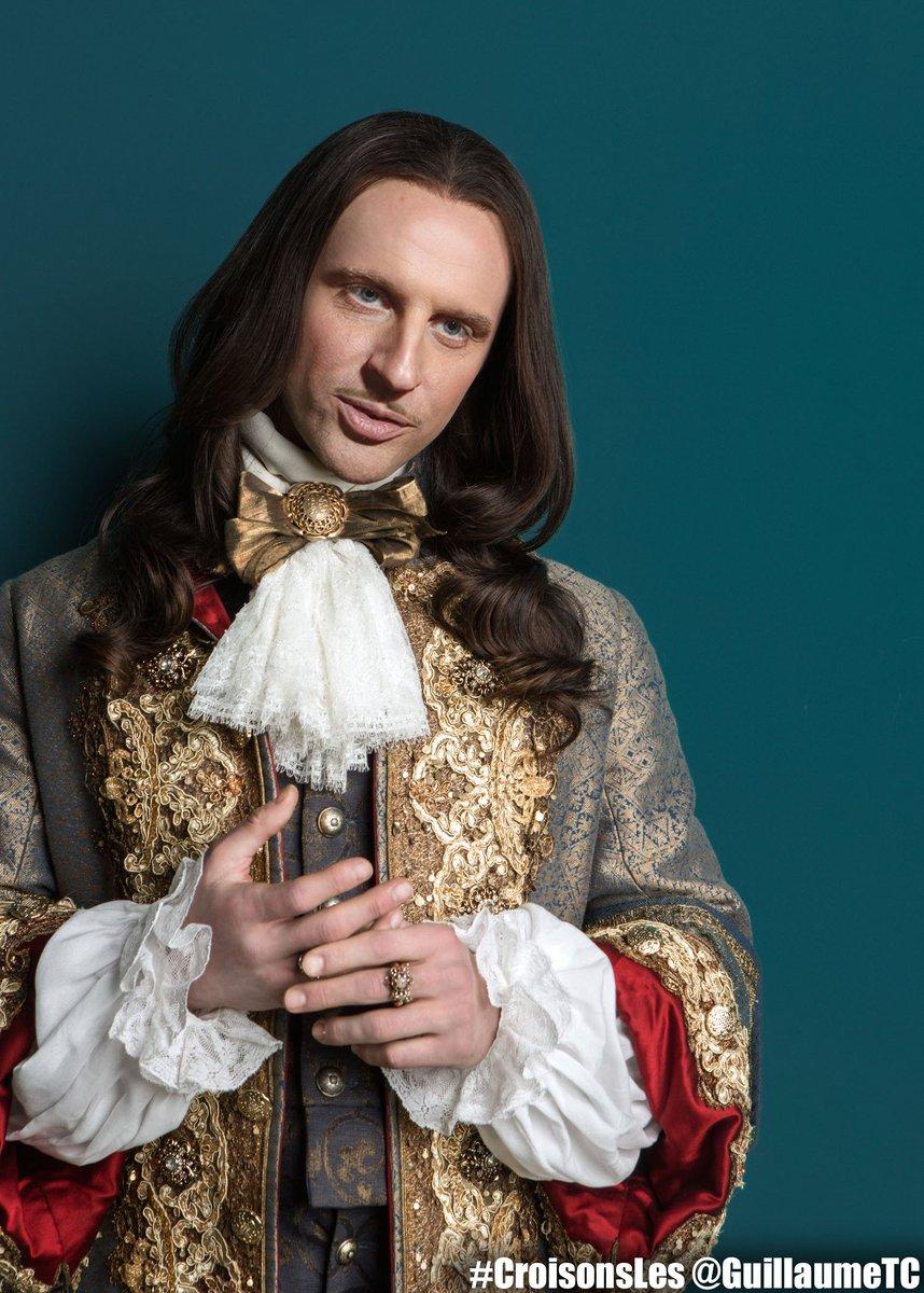 Louis XIV attendant le Tsar. #Macron #Versailles #CroisonsLes