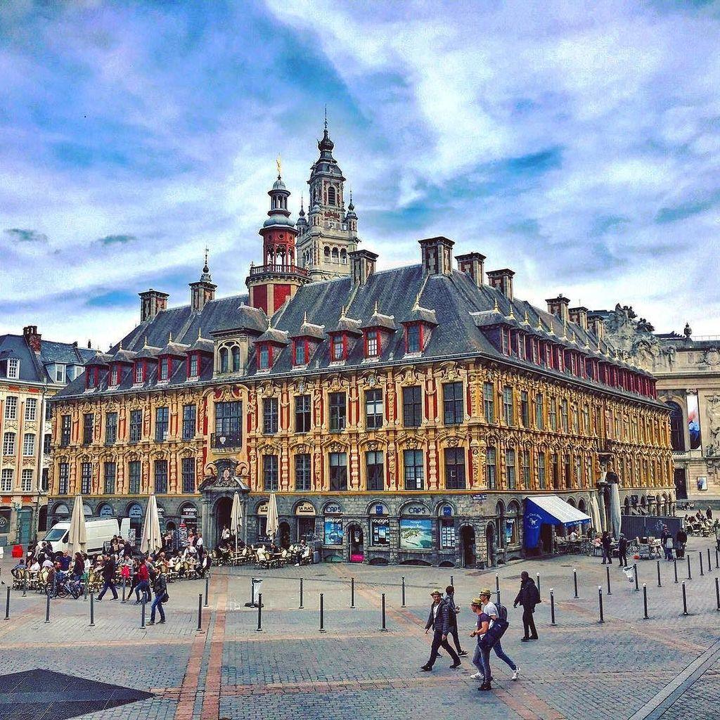 Grand&#39;Place - Lille  #Lille #GrandPlace #Nord #IgersLille #HautsDeFrance #France #Chtis #NorthOfFrance #Beautif…  http:// ift.tt/2qdl07J  &nbsp;  <br>http://pic.twitter.com/gugCkWmuvH