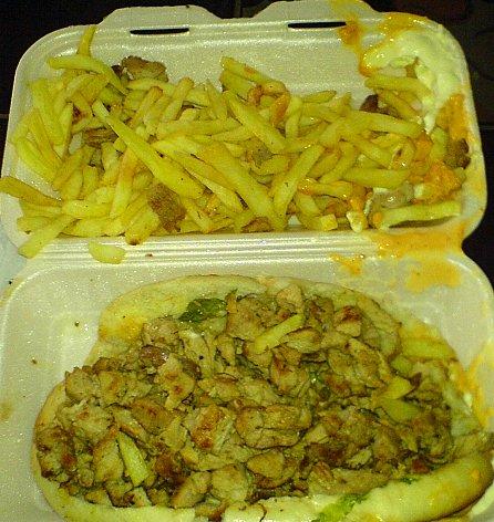 Salut @GordonRamsay et @LeCritiqueur vous pensez quoi de mon Kebab made in Paris ?? J'ai besoin d'un avis Anglais et Français la famille