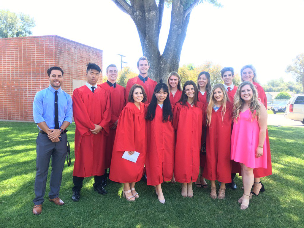 Congratulations to all our ASB seniors! We are so excited for you! ❤️🎓🎈👨🎓❤️👩🎓 #classof2017 #wcheralds https://t.co/l04vMuQRfr