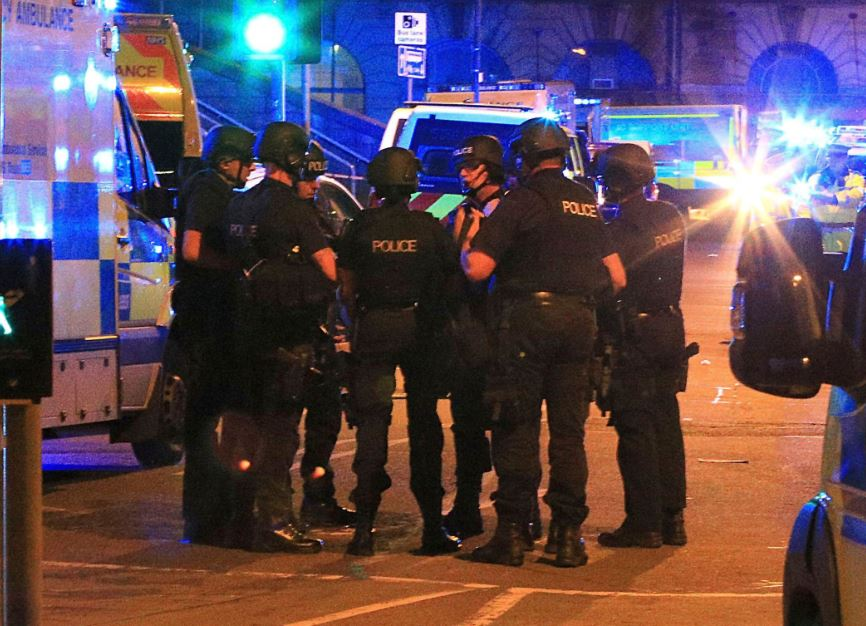 UPDATE: Police: 19 killed, 50 injured in explosion at Manchester Arena bit.ly/2qQmUNi #10TV