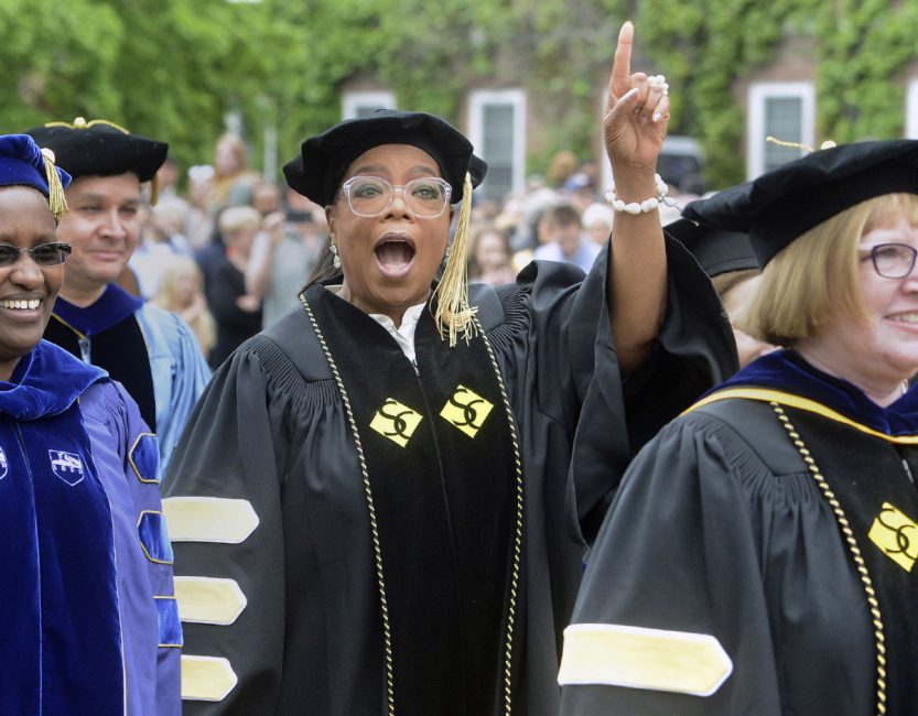 Oprah tells women's college grads to seek fulfilment by serving others...
