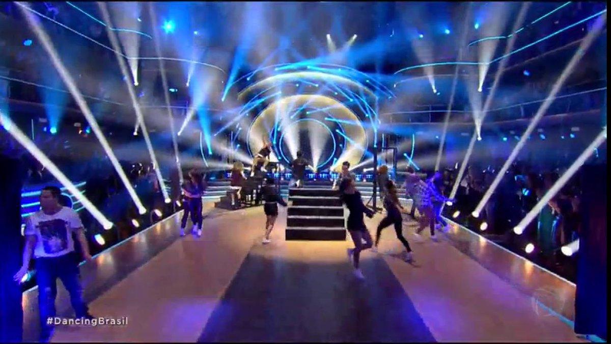 Já estamos no chão com essa abertura de #DancingBrasil! Quem mais? 😱 ❤...