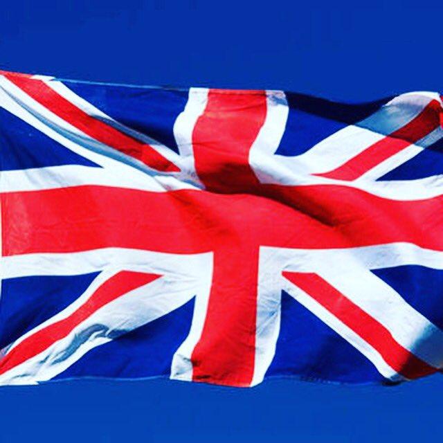 Toutes mes pensées vont aux victimes et à leurs familles 💔 #manchesterareana #stopterrorisme