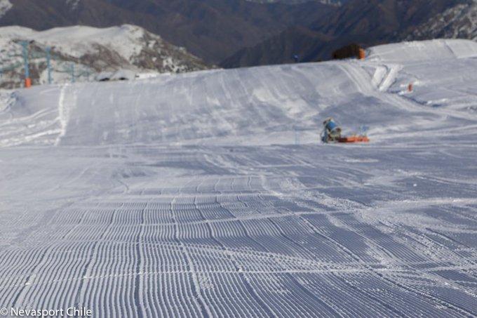 Qué buenas alfombras en El Colorado (Chile), ahora empieza todo de nuevo 💪https://t.co/f814yIy9yq