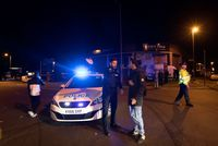 """(L'express) #EN DIRECT. #Manchester: 19 mort dans une """"attaque terroriste"""" après un..  https://www. titrespresse.com/715791701/atta que-terroriste-en-direct-manchester-concert  … pic.twitter.com/6j7S7yxk88"""