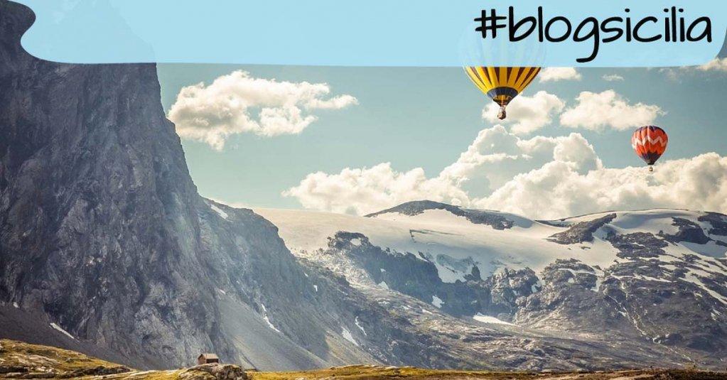 """""""Ogni giorno, dona a chi ami ali per volare .."""". Dalai Lama #blogsicilia https://t.co/lyCguQG3PC"""