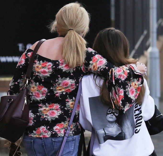 Attaque à #Manchester : les adolescents, nouvelle cible de l'horreur > https://t.co/oSQ1F0YNHI